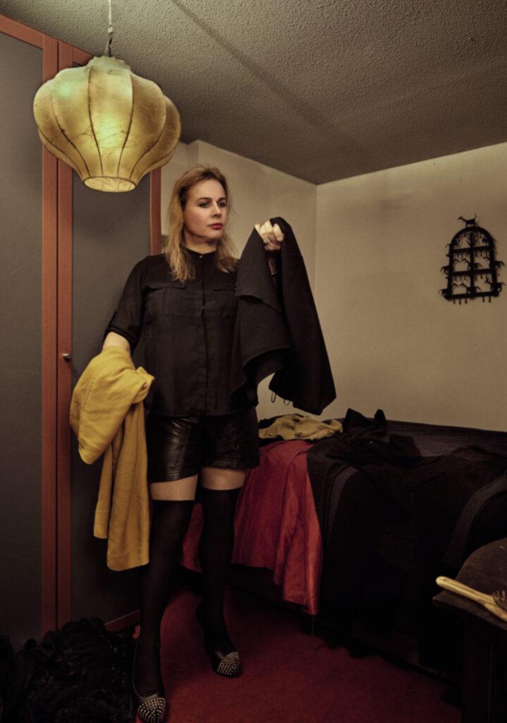 Zelfportret uit de serie Non-binair, Jasmine de Vries